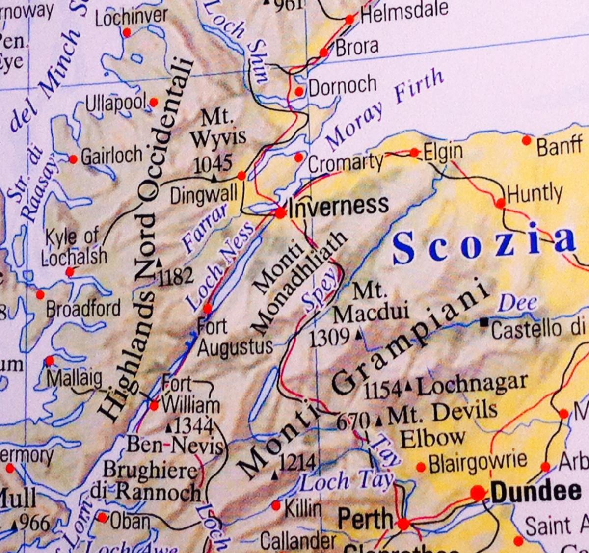 """""""Loch Ness, Google eNessie""""."""