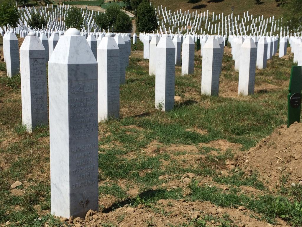 A voce alta: Le lacrime delle madri di Srebrenica di AbdulahSidran